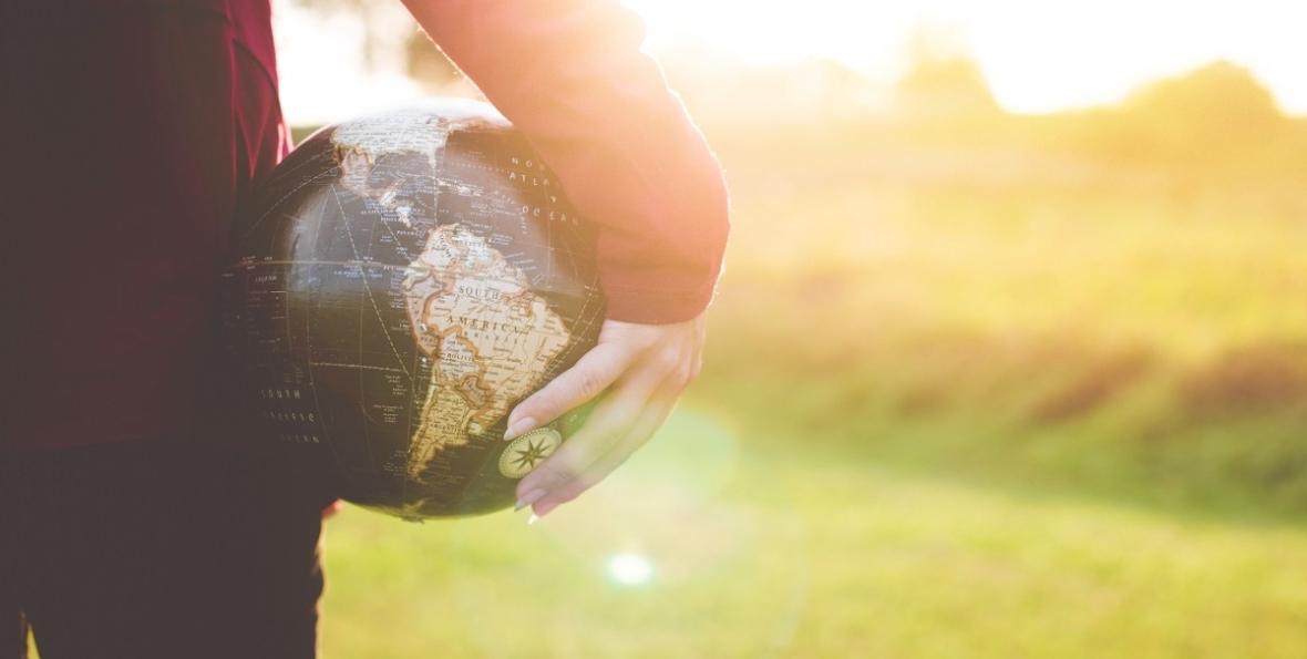 Axesa-Citizenship Advisory Globe